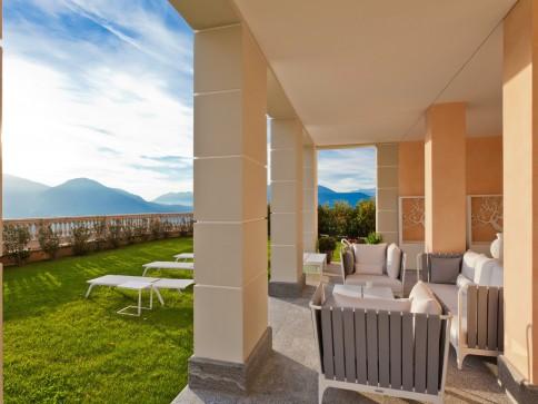 Luxus-Appartment, im traumhaftem Resort Collina d'Oro, mit Seesicht