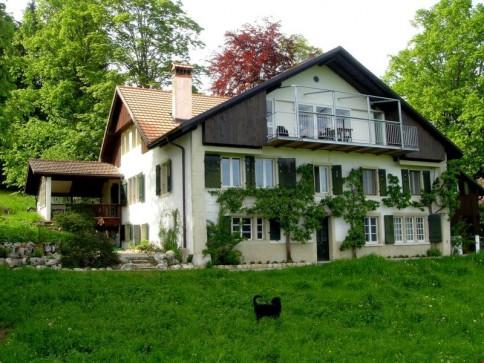 Maison de 2 appartements à la campagne à 10 min de Neuchâtel