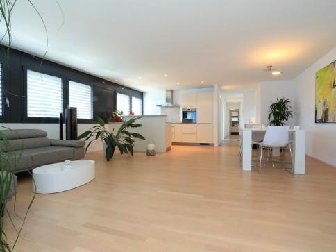 Moderne 3.5 Zimmer Wohnung mit 2. Wohnsitzbewilligung in Minusio