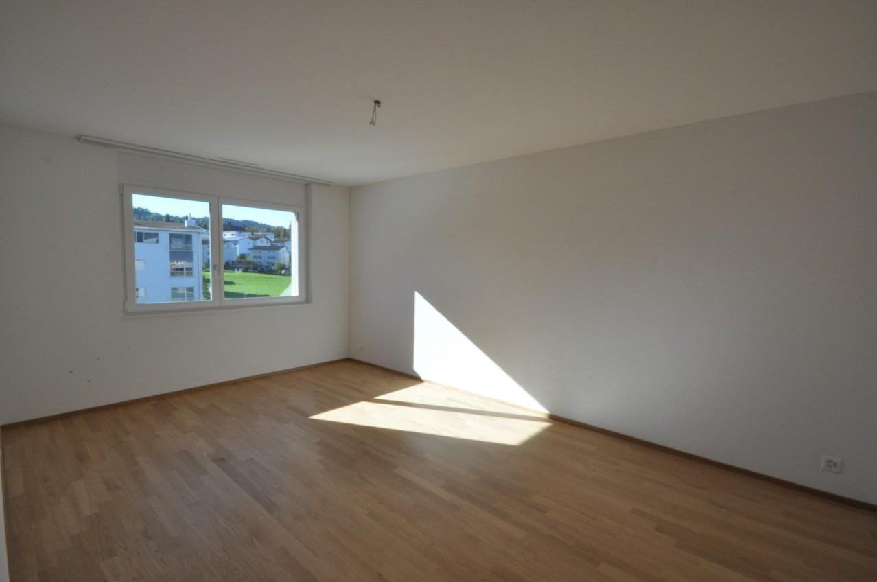 Moderne wohnung mit grossem balkon und loggia immoscout24 for Moderne wohnung