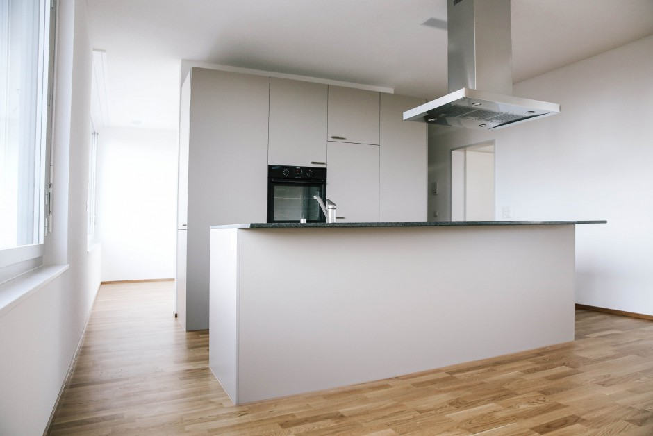 moderne wohnung mit grosser loggia immoscout24. Black Bedroom Furniture Sets. Home Design Ideas