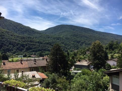 Molinazzo di Monteggio vedesi villa immersa nel verde