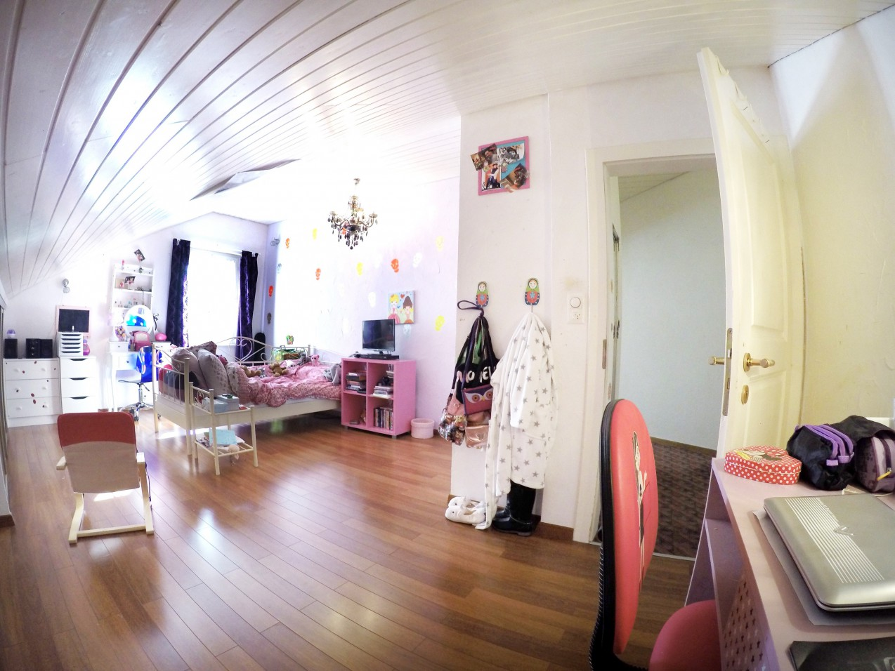Muraz spacieuse villa avec piscine et sauna appartement - Sauna appartement ...