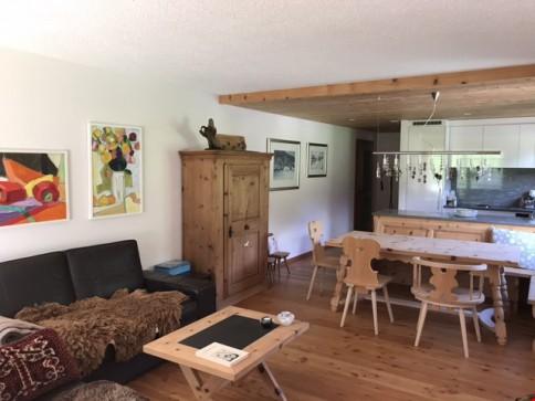 Qualitativ top umgebaute und sehr sonnige 3.5 Zimmer Wohnung