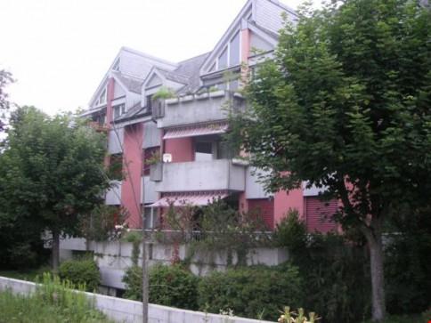 Renovierte 2 1/2-Zimmerwohnung mit Balkon