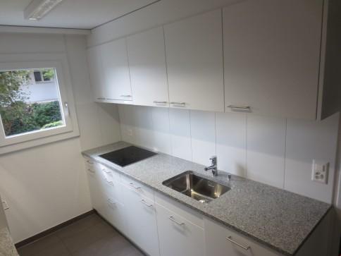 renovierte 3.5-Zimmerwohnung in Mehrfamilienhaus