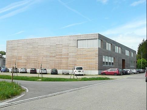 Repräsentatives, modernes Gewerbe-/Bürogebäude in Pfyn
