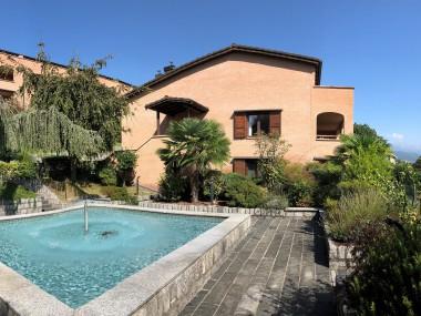 Residenza Rovello: Vivere nel verde con vista sul lago!