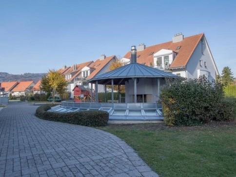 Schöne helle Eigentumswohnung mit Gartensitzplatz
