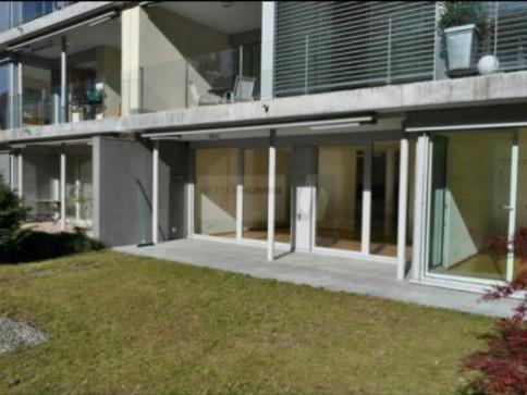 Schöne und moderne 2.5 Zimmerwohnung an zentraler Lage