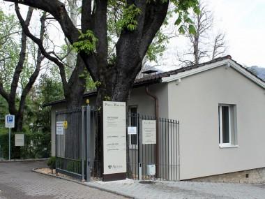 Ufficio indipendente 2,5 locali con 3 Posti Auto compresi