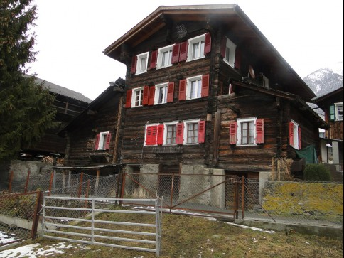 Wohnen in einem währschaften alten Walliserhaus
