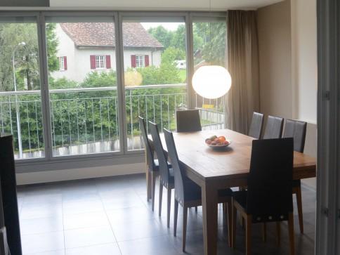 Wohnen wie in einem EFH mit gedeckter Terrasse inkl. Fensterfront