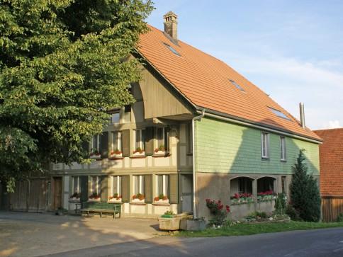 zu Vermieten 3 1/2 Zimmer Wohnung in Aetigkofen