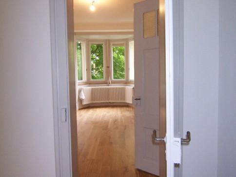 3-Zimmer-Altbauwohnung mit 2 Balkone