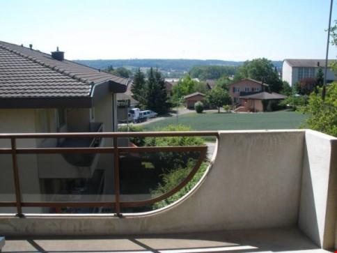4.5-Zimmerwohnung in schöner Umgebung mit Balkon