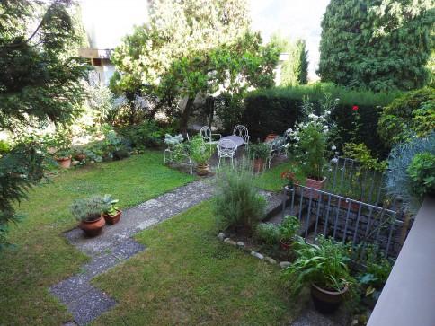 Appartamento con Giardino e locale hobby separato