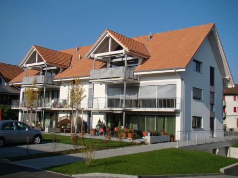 EG Wohnung mit grossem Gartensitzplatz und Parkplatz inkl.