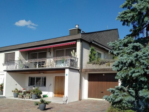 Freistehendes Einfamilienhaus mit Potential in Oberlunkhofen