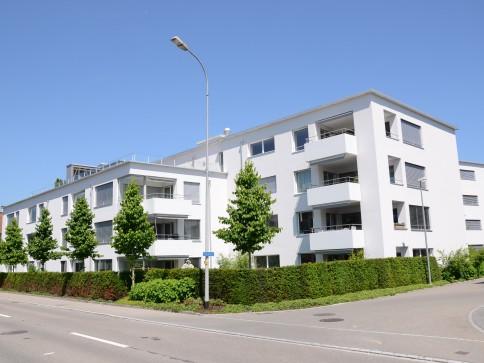 grosse moderne 4.5-Zimmer-Attika-Wohnung mit grosser Dachterrasse