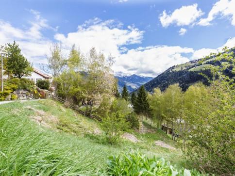 Grosszügiges Bauland mit herrlichem Blick in die Bündner Bergwelt