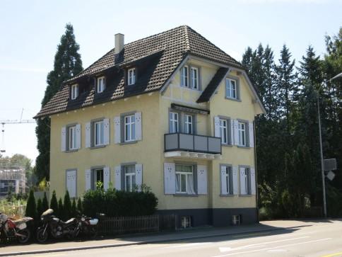 Mehrgenerationenhaus mit 3 Wohnungen