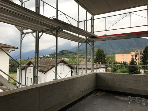 Neue 2-1/2 Wohnung an der Via Varenna