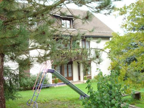 Renovation 09.2017: sonnige und ruhige 4.5 Zi-Whng (EG oder 1. Stock