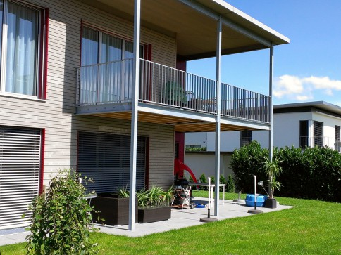 Rüfenacht, sonnige und ruhige 4.5 Zimmer-Wohnung im Erdgeschoss