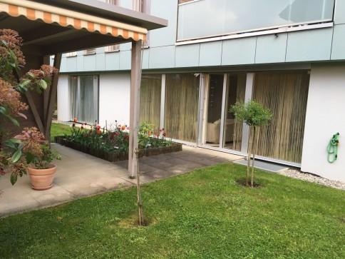 Ruhige, zentrale 2 1/2-Zimmerwohnung mit Gartensitzplatz