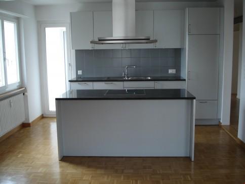 Schöne 6-Zimmer-Wohnung im Zentrum von Brügg