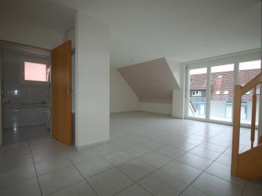 sonnige Dachmaisonette-Wohnung mit Balkon