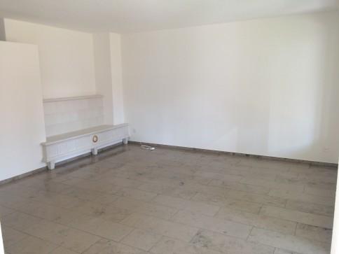 Wunderschöne 3.5-Zimmer-Wohnung mit Terrasse und Wellness-Badewanne