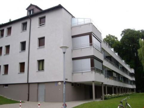Zentrale 4-Zimmerwohnung im 1. Stock