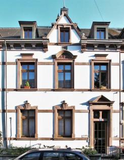 Forellensandstein um die Fenster