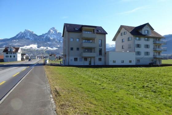 Ansicht von Süden Schwyzerstrasse 50 und 52 mit Garagentrakt