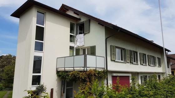 1. Stock Wohnung mit Balkon