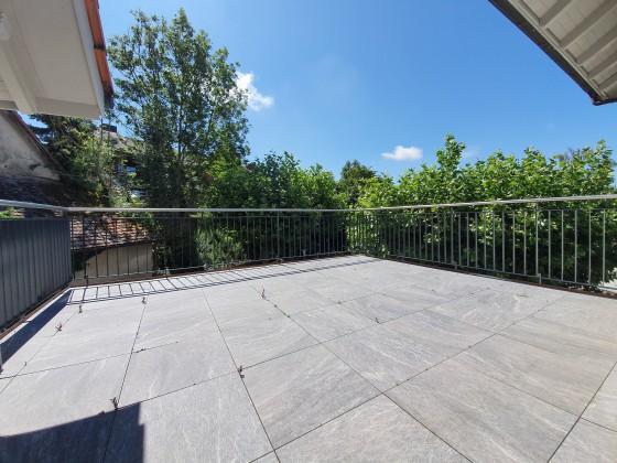 sonnige Terrasse mit 20 m2