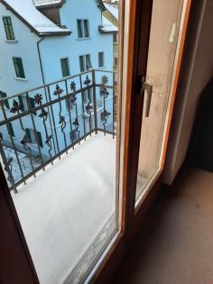 Hübscher Balkon im Dachgeschoss