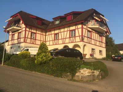 Tolles Riegelhaus über den Dächern von Jona/Rapperswil