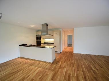 STAFFELMIETE - Schöne 4.5-Zimmerwohnung im Erdgeschoss zu vermieten