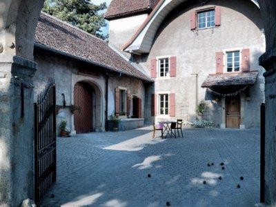 En entrant au Château